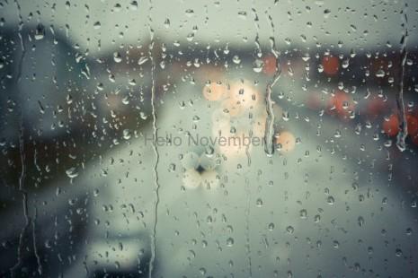 novihello-november-ploaie