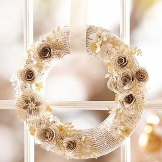 Coronas c flores de pap de diario