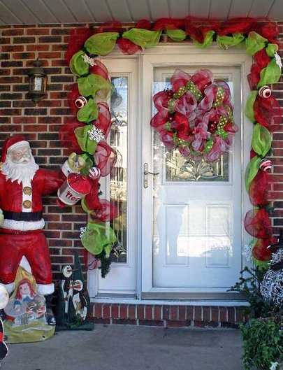 Im genes de adornos navide os bonitos con materiales for Guirnaldas navidenas para puertas y ventanas