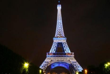 Torre Eiffel en la noche