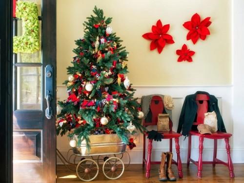 brian-patrick-flynn-entrada-casa-arbol-navidad