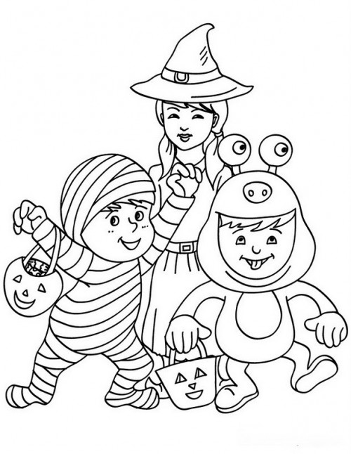 3-kids-disguised-witch-monster-mummy-with-candy-halloween-baskets-01-5xd_uhf