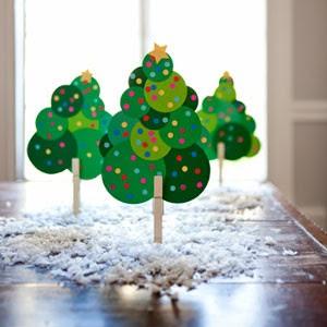 brochesárboles de navidad cartulina y pinza