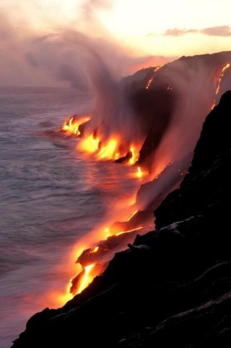 paisajesHawaii donde el mar se encuentra con la lava.