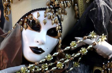 masc blancas del carnav de venecia