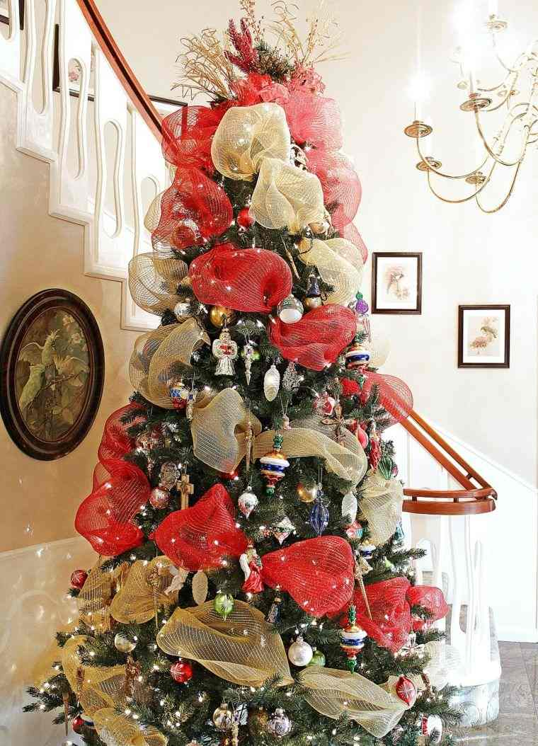 arbol-navidad-decoracion-lazo-oro-rojo